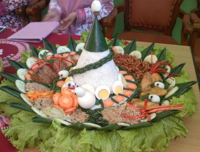 Pesan Nasi Tumpeng Jakarta Timur di Royaltumpeng
