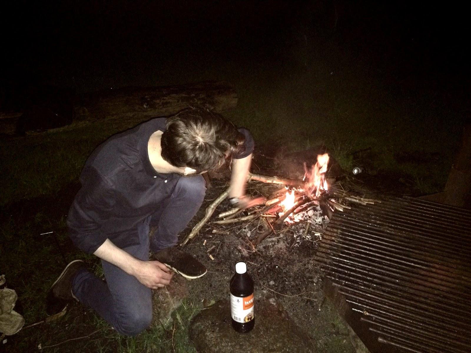 Ide Kencan Seru Camping Di Hutan
