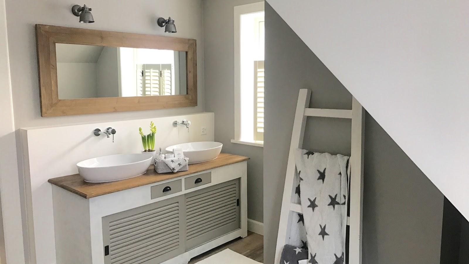 badezimmer im farmhouse und new england stil beachhouse living. Black Bedroom Furniture Sets. Home Design Ideas