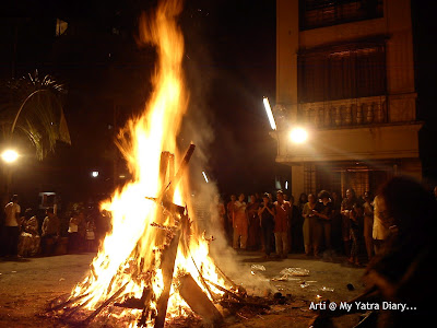 People Praying to the Holika Dahan bonfire on Choti Diwali