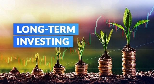 long term investment strategies beginner investors time in market vs timing market