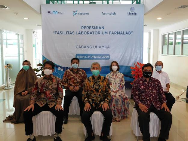 Rektor Uhamka Bersama foto bersama jajaran PT. IndoFarma