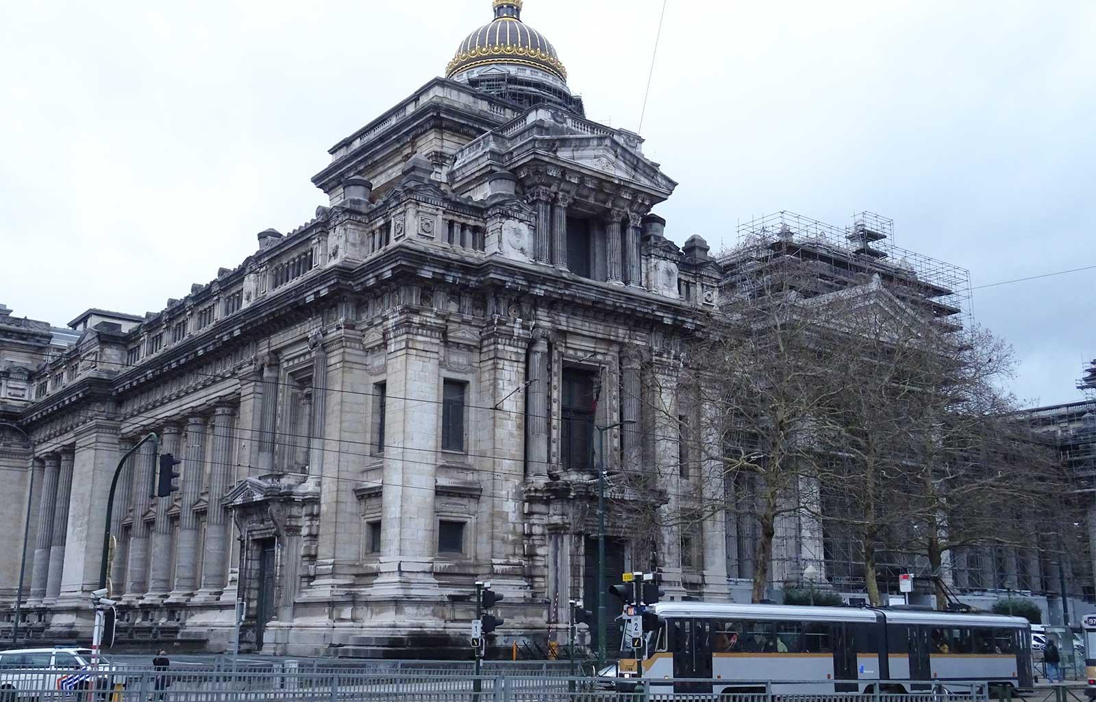 week-end à Bruxelles palais de justice