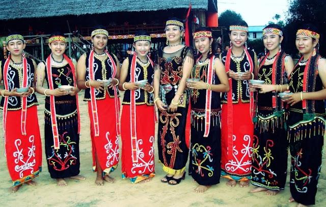 Pakaian Adat Provinsi Kalimantan Tengah – Upak Nyamu