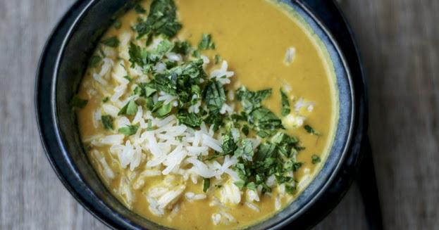 Vellutata di carote con zenzero, curcuma e latte di cocco