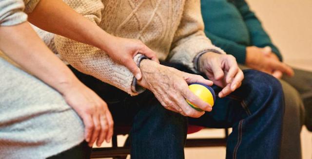 5 cara merawat diri ketika telah menua