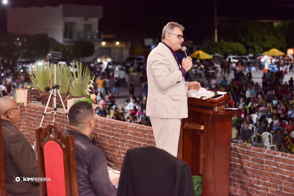 Adoração e Louvor na 3ª Noite da 13ª Edição do Chapadinha Para Cristo 2020