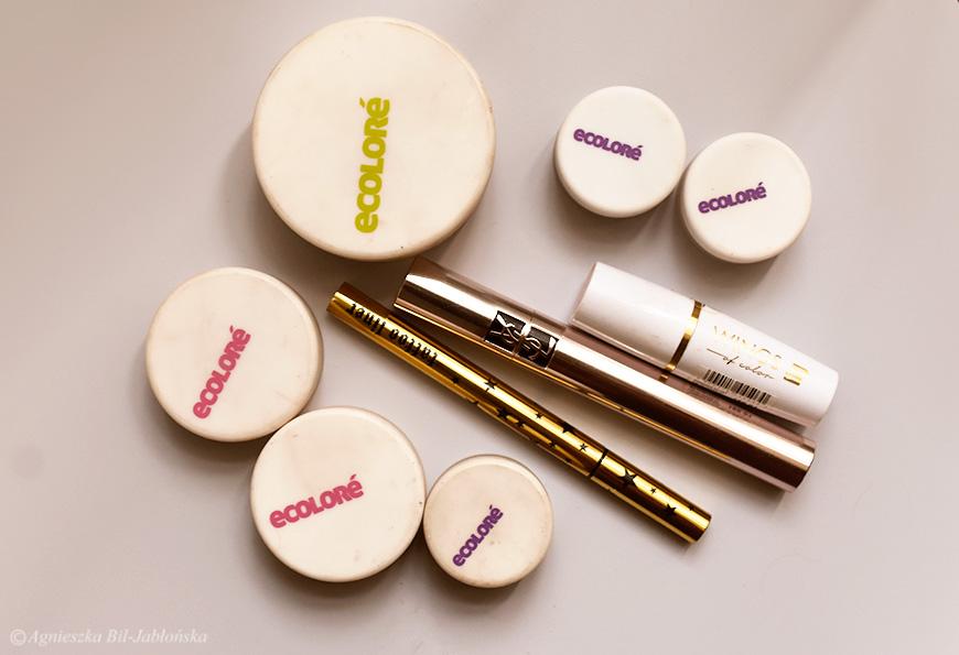 bce9f720eb1328 Glam Brown balansuje pomiędzy cieniami używanymi w dziennym i wieczorowym  makijażu. To metaliczny brąz mieniący się fioletowo-złotymi odcieniami.