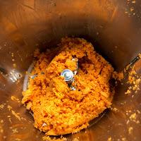 Morceaux de patates douces mixés dans le Thermomix