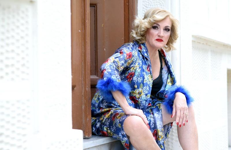 Η θεατρική παράσταση «Ρένα» με την Υρώ Μανέ στην Αλεξανδρούπολη