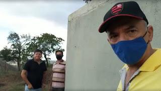 PREFEITO DE CUITEGI (PB) VISITA CAIXAS D'ÁGUA NO SÍTIO DA PALMEIRAS