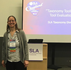 Heather Hedden presenting on taxonomy tools at the SLA 2019 conference