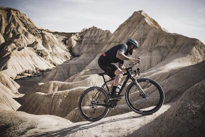 Sin rumbo fijo, una aventura de ciclismo gravel de David Cachón