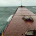 ΑΠΙΣΤΕΥΤΟ ΒΙΝΤΕΟ: Τα τελευταία δευτερόλεπτα πριν κοπεί στα δύο φορτηγό πλοίο