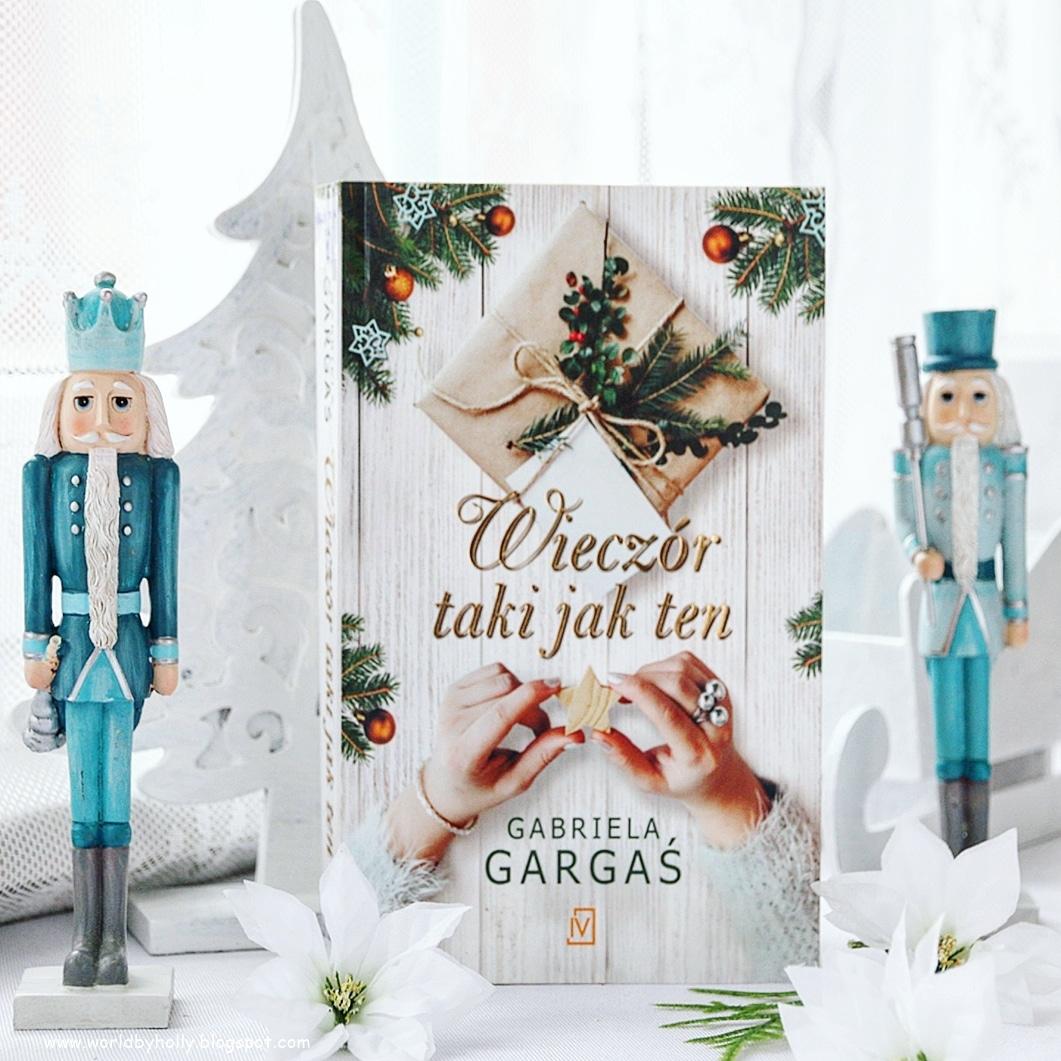 zimowa dekoracja, bajkowa dekoracja, książka o tematyce świątecznej, książka na święta, prezent świąteczny, książka na prezent