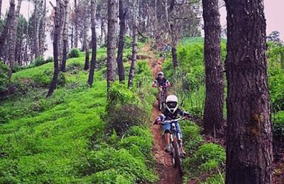 Jalur-Trek-Sepeda-Paling-Keren-di-Kota-Bandung-1