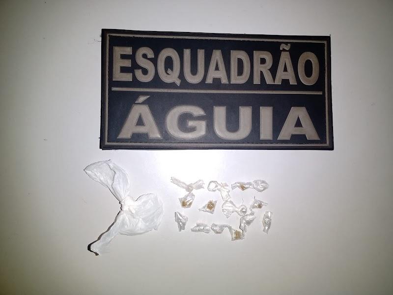 Guarnição da PM de Trizidela do Vale apreende menor com 14 pedras de crack em Pedreiras.