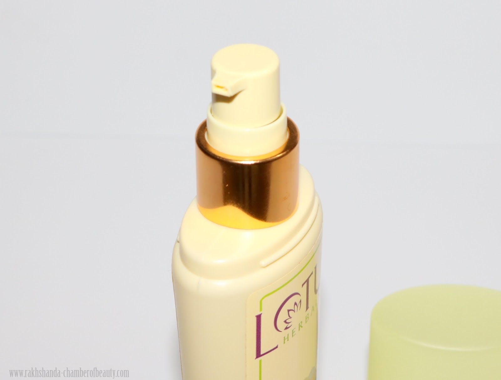 Lotus Herbals Lemonpure Cleansing Milk Review