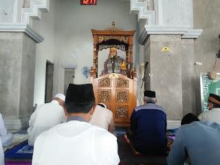 Bhabinkamtibmas Polsek Maiwa Polres Enrekang Sosalisasi Prokes di tempat ibadah