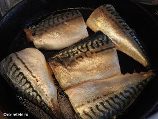 Macrou la gratar reteta peste gatit fript la grill sau tigaie retete mancare friptura mancaruri cu pește,