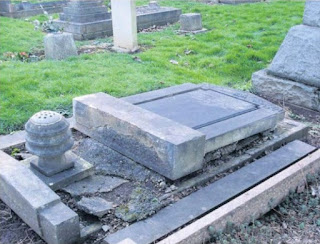 Grave of Lily Thomas before restoration