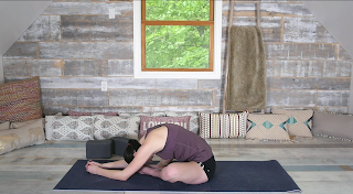 5 yin yoga poses for runners to get a deep hip and
