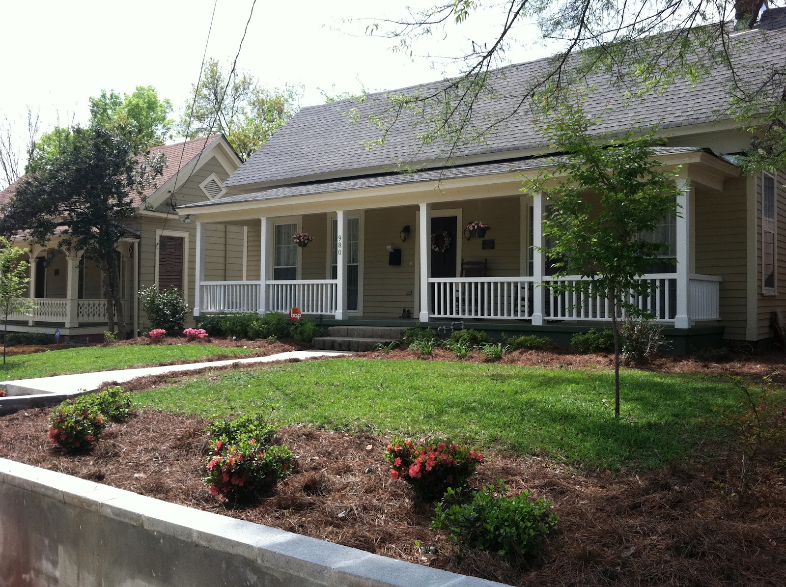 Minimal Mansion Front Yard Small Front Yard Landscaping Ideas With Photos