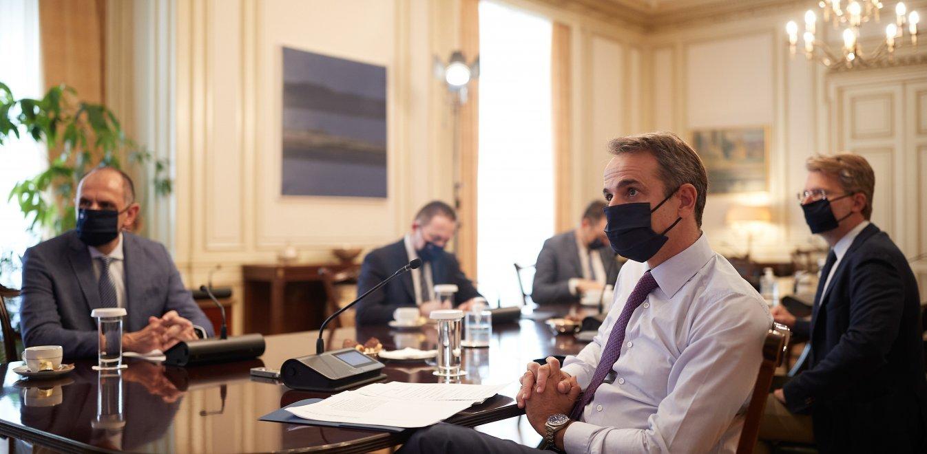 Κορονοϊός: Στο τραπέζι επαναφορά των sms στο 13033 και τοπικά lockdown
