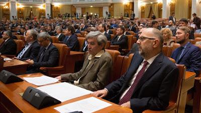 Kelemen Hunor, RMDSZ, Grindeanu-kormány, bizalmatlansági indítvány, Románia, btk.-módosítás, közkegyelem, Liviu Dragnea