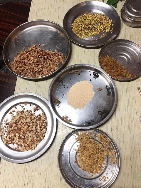 ಅಂಟಿನುಂಡೆಗೆ ಬೇಕಾದ ವಸ್ತುಗಳು; Items needed for Antinunde