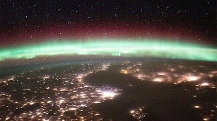 Έτσι φαίνεται το Σέλας από το διάστημα