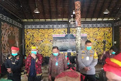 Lutfi Holi Dijatuhkan Sanksi Adat Makarana Dalam Proses Peradilan Hukum Adat Dayak Kanayatn