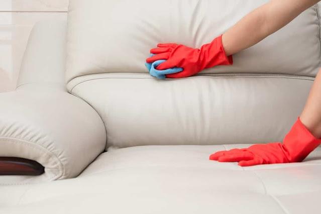 Cara Membersihkan Kursi Sofa Berbahan Kain