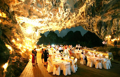 A party in Halong's Cave