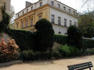 Le chateau de Leonard Violet