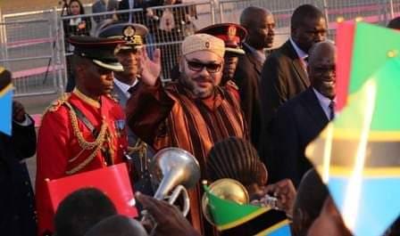 المعركة ضد وباء كورونا.. جلالة الملك محمد السادس قائد متبصر