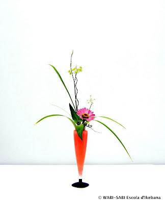 Ikebana-jiyuka-Freestyle-escola-wabi-sabi