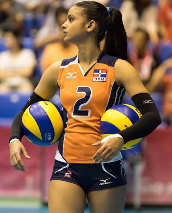 winifer fernandez sexy volleyball player 04