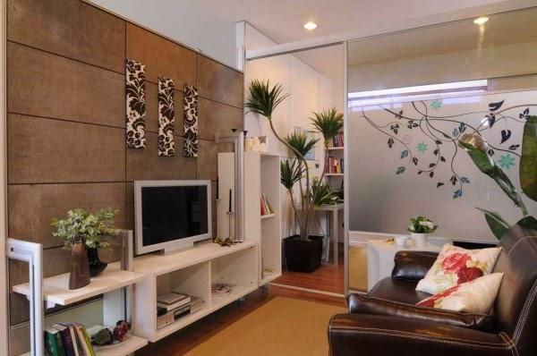 Ruang keluarga sederhana yang nyaman dan elegan
