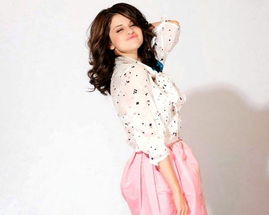 Selena Gomez  Full HD Wallpaers