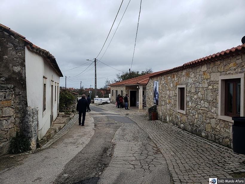 Casa dos pais de Jacinta e Francisco é da direita da foto. Das crianças, à esquerda - o que fazer em Fátima