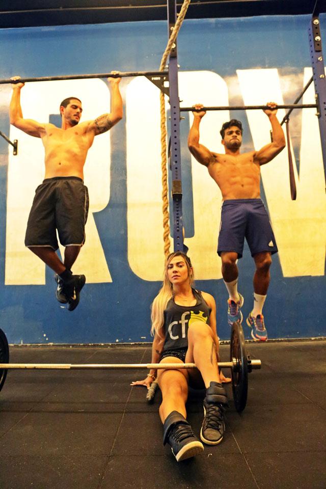 Paulo Simas, Danilo Lobo e Verônica Araújo treinam CrossFit juntos. Foto: Alan Chaves/Juliano Mendes Assessoria