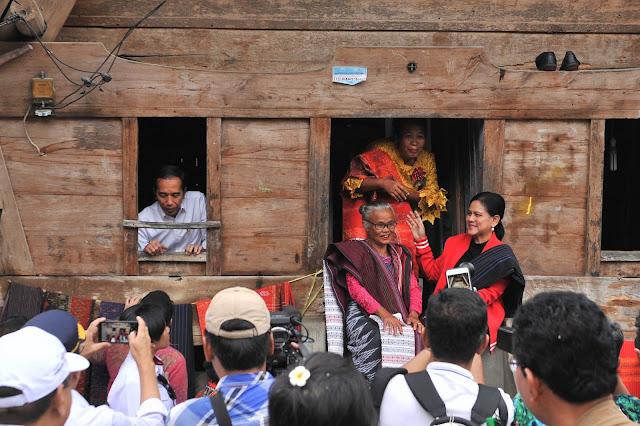 Dukung Pengembangan Pariwisata, Pemerintah Akan Perbaiki Beberapa Rumah Adat Batak Samosir