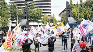 Positif Covid-19 11 Buruh Demo Tolak UU Ciptaker Semarang
