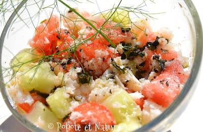 Salade au crabe, algues Wakamé, concombre, tomate et pastèque © Popote et Nature