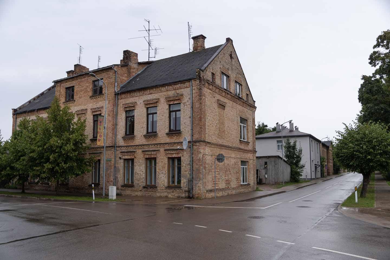 Auce ēka 1