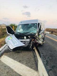 Acidente entre dois veículos deixa um morto e cinco feridos na BR-230, no Sertão da PB