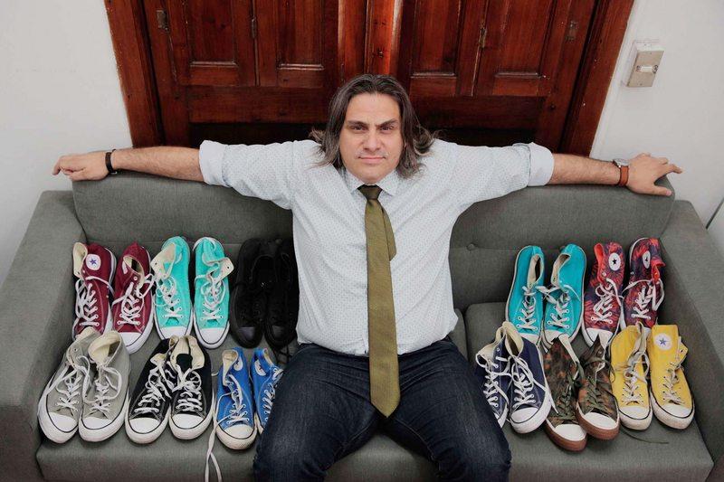 Director de Organizaciones Sociales cuenta por qué solo usa zapatillas