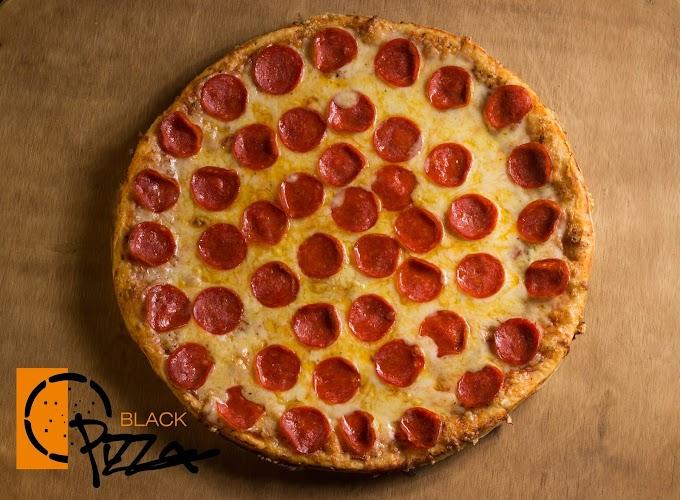 Pizza grande por $99: Black Pizza