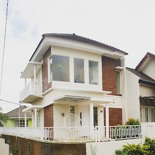 Villa Kolam Renang Devinta Di Batu